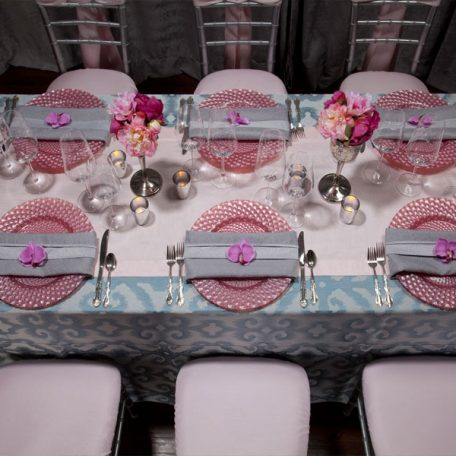 Mist Bravado Tablescape with Pink Shantung Runner and Pink Luxe Glass Charger