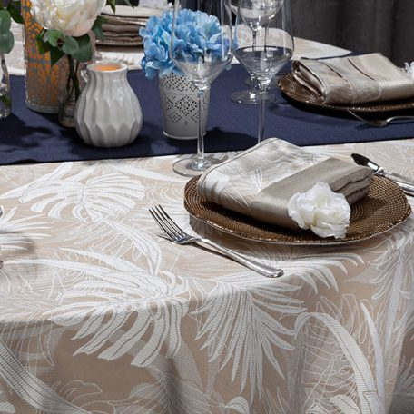 White Calypso Tablescape
