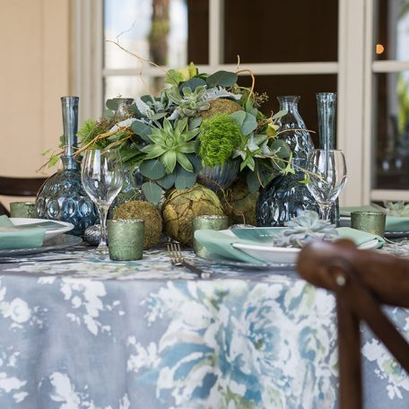 Designer: Elegant Floral Design | Photographer: Cat Pennenga Photography | Venue: Ritz Carlton Sarasota