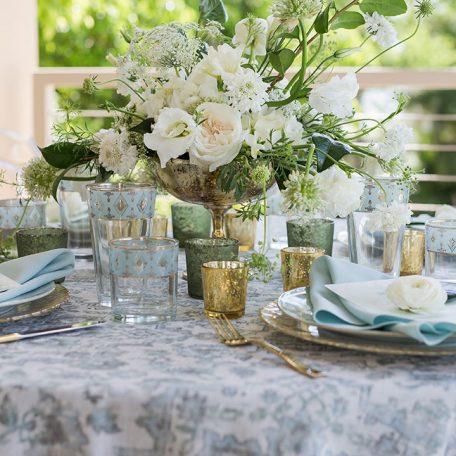Designer: Elegant Floral Design   Photographer: Cat Pennenga Photography   Venue: Ritz Carlton Sarasota