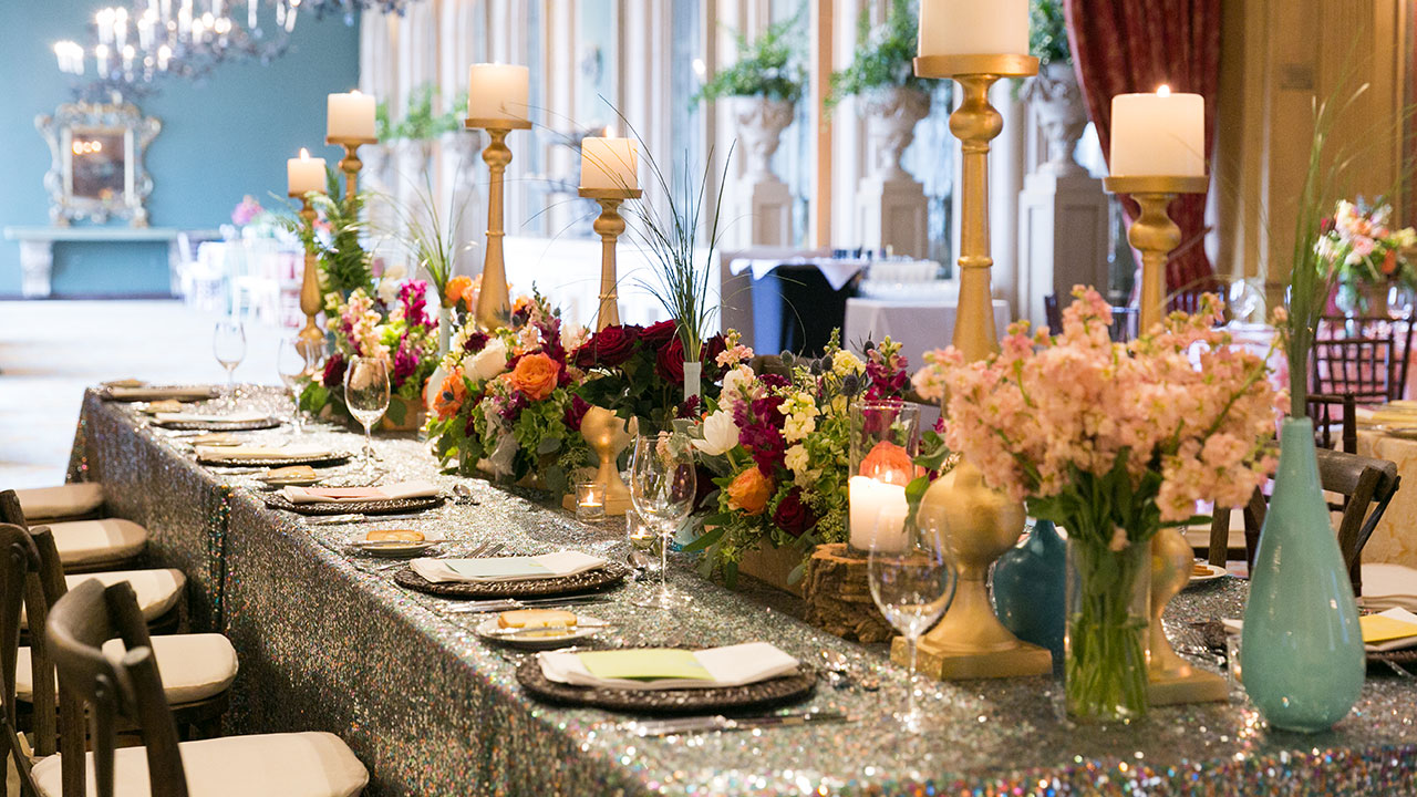 Rent from Fabulous Events. We are the leader in linen rentals. We have one of the largest selections of rental sequin table linens, chair covers, napkins & more.
