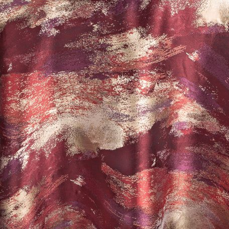 The swirling pattern and vibrant color mix of Ruby Allure Table Linen hint at glamour and a daring spirit. Combining tones of scarlet, ruby and deep red-purple with hints of metallic gold, this shimmering pattern is imbued with life and verve. You can rent this linen and many others in our Envie Collection here at FE.
