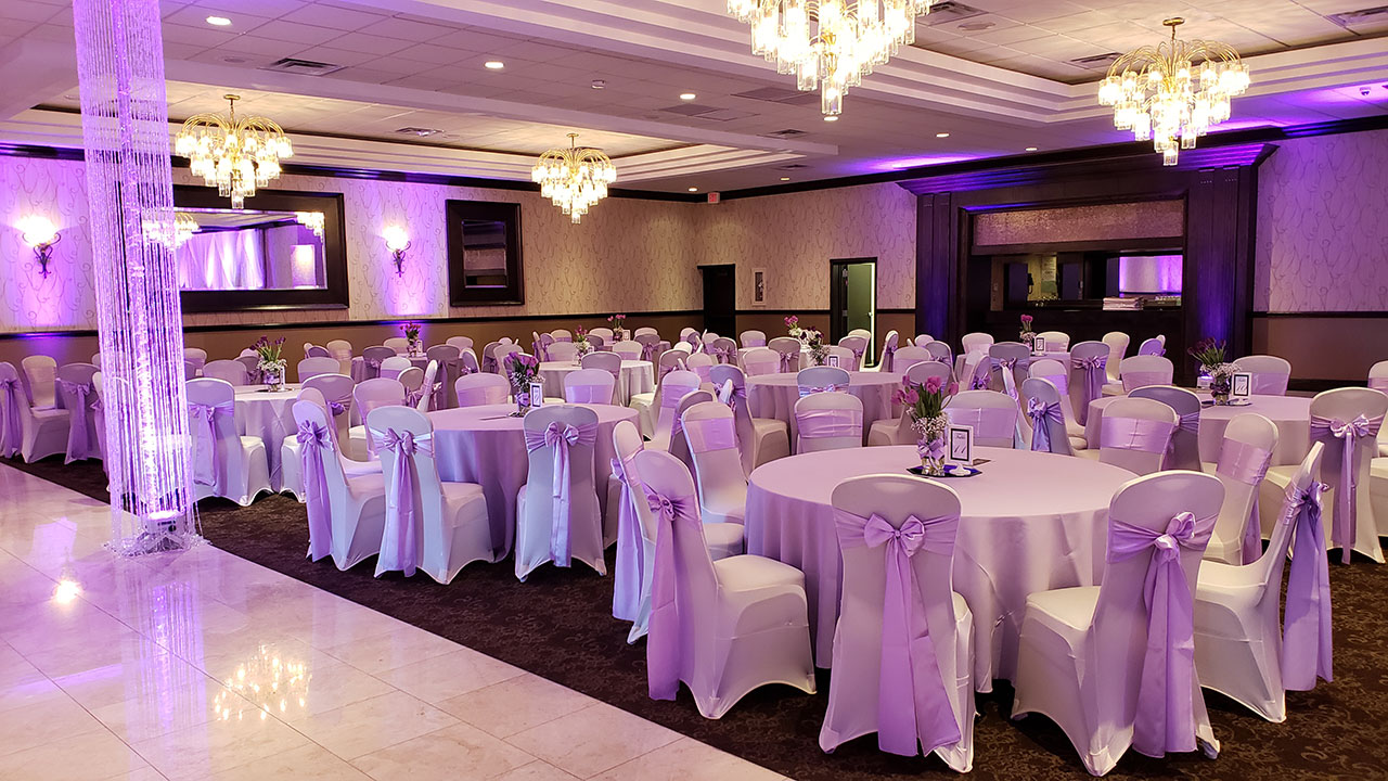 Looking for the perfect wedding? Call on Fabulous Events to supply all of your event rentals. We have table linens, runners, uplighting, pipe and drape, napkins and more for your event rental.