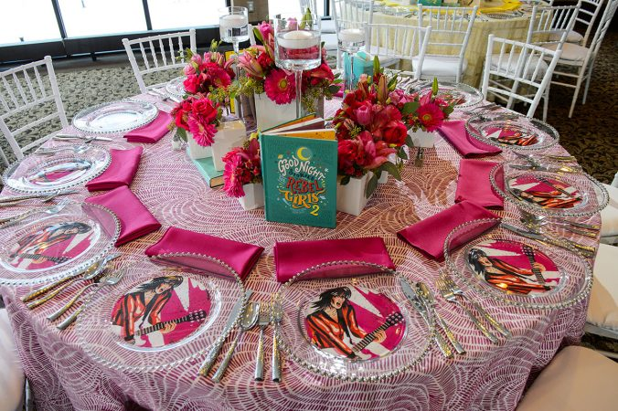 Rent Specialty Tablecloth Linens from Fabulous Events. Nationwide Shipping available for all linens.
