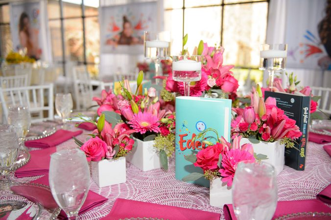 Unique Table Linen rentals from Fabulous Events. Rent a huge variety of Table Linens, Runners and Napkins NATIONWIDE.