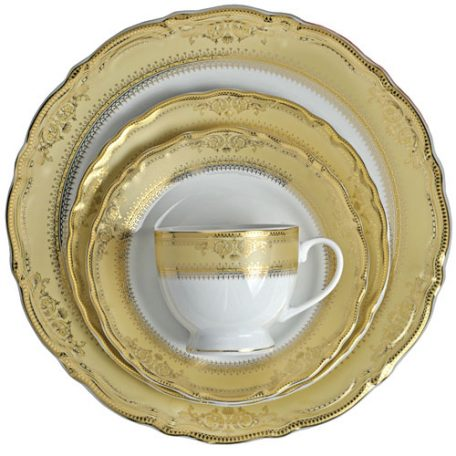 Rent Vanessa Gold Dinnerware in Michigan for your Special event