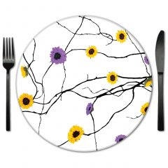 Rent designer glass placemats from Fabulous Events and Lola Valentina